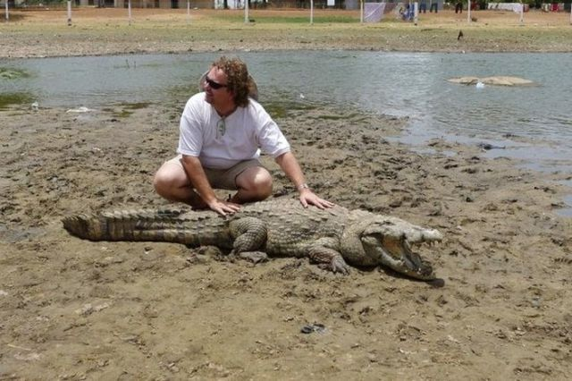 The Humans Who Have Crocodiles for Neighbors