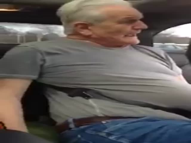 Old Guy Stuck in Car's Seatbelt Is Hilarious
