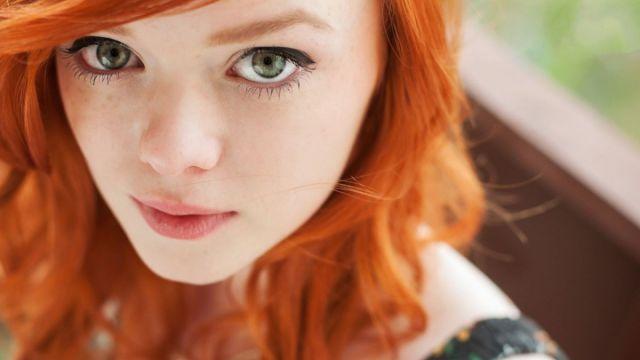 Flabby pussy lip redhead