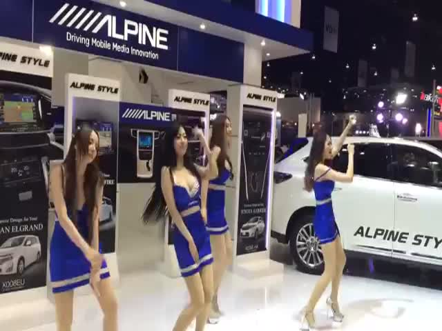 Hot Girls Dancing Awkwardly at a Bangkok Motor Show  (VIDEO)