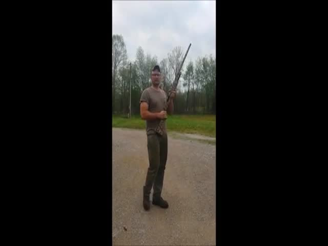 Man Shows His Newly Bought Shotgun That Has a Safety Malfunction