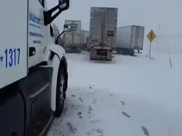 Wyoming Pileup Looks like the Apocalypse  (VIDEO)