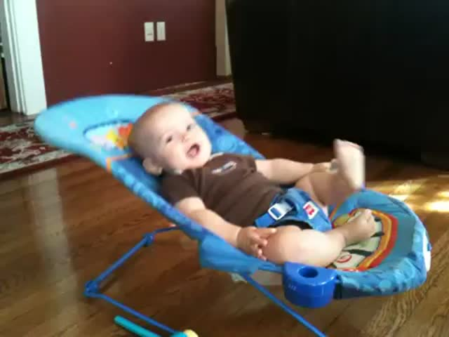 Extreme Seat Bouncing, Toddler Style  (VIDEO)