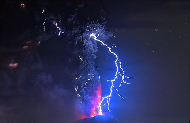 Stunning Pictures of the Volcano Eruption in Chile and Its Aftermath