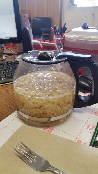 The Worst Desk Lunches Anyone Has Ever Had to Eat