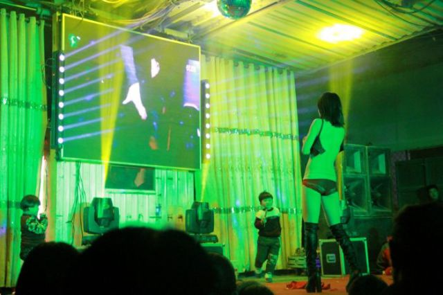 Funeral Strippers Are a Real Thing in China but Authorities Are Having None of It