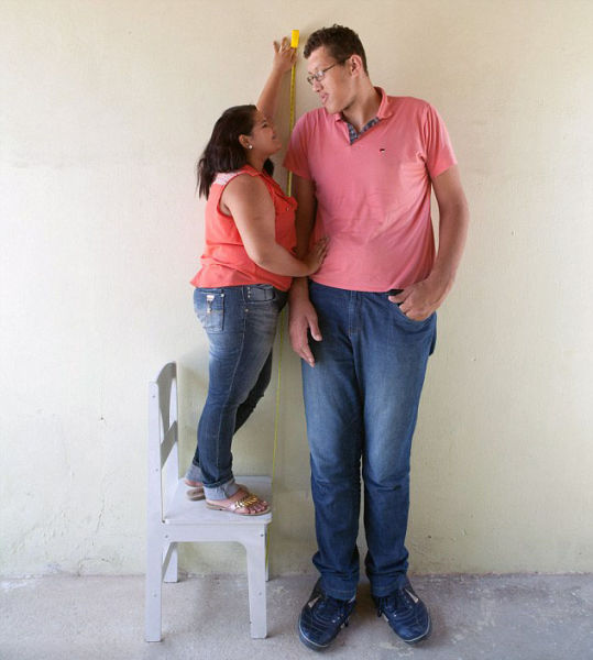 The Couple Whose Love Knows No Heights