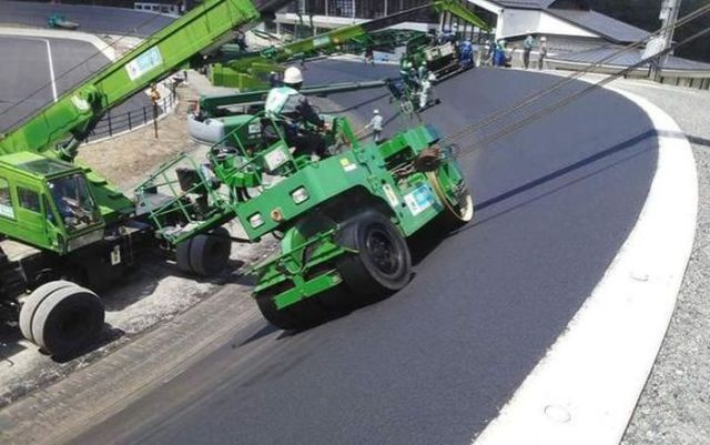 This Is How They Actually Build a Race Track