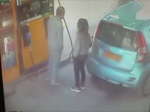 Guy Denies Woman a Cigarette at the Gas Station, Turns Out She's a Crazy Pyromaniac...