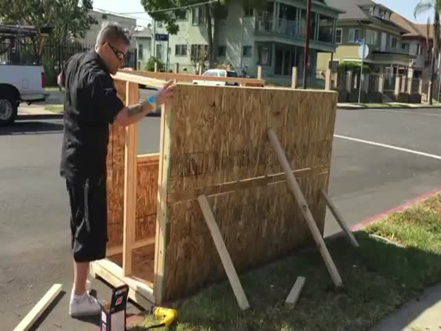 Man Builds Tiny House for Homeless Woman