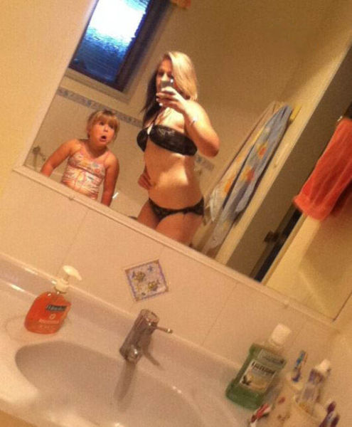 Moms Who Take Selfies Like These Just Don't Get Parenthood at All