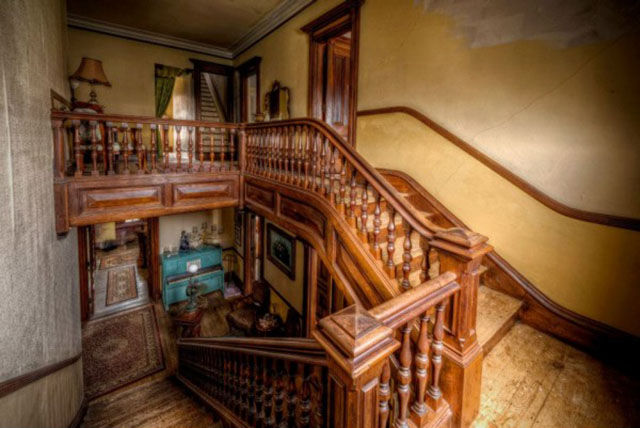 The Mansion That Practically No One Wants to Buy