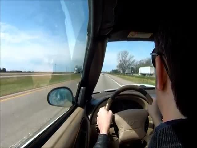 Driver Passes Out While Driving. The Dashcam Footage Is Terrifying!