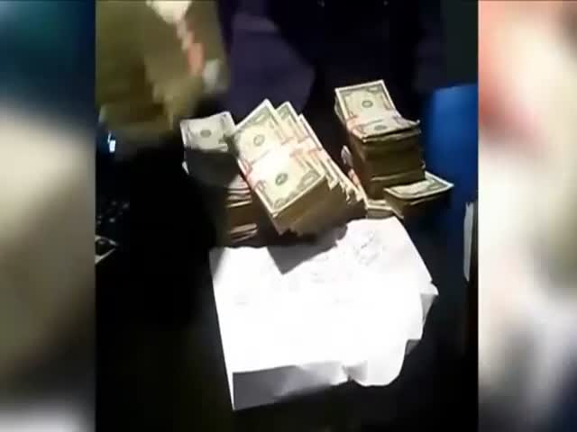 Idiot of the Year: Guy Robs $150,000 from Bank, Posts Footage on Instagram!  (VIDEO)