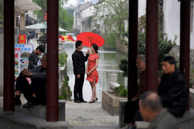 Candid Pics Capture A Normal Day in China