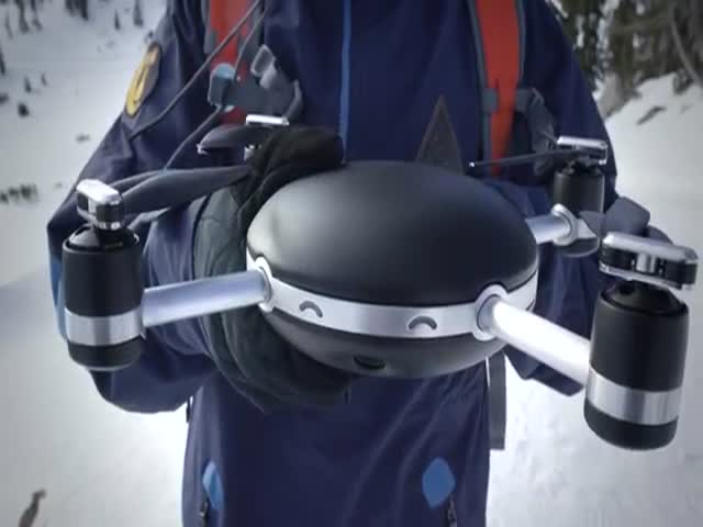 A Drone That Follows You Automatically Everywhere  (VIDEO)