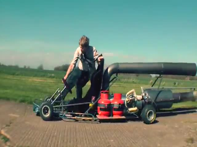 Crazy Inventor Builds Jet-Powered Go-Kart
