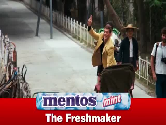 This Scene from 'Bloodsport' Works Perfectly Well as a Mentos Commercial  (VIDEO)
