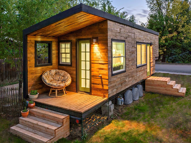 Cute Compact Homes That Maximize Small Spaces