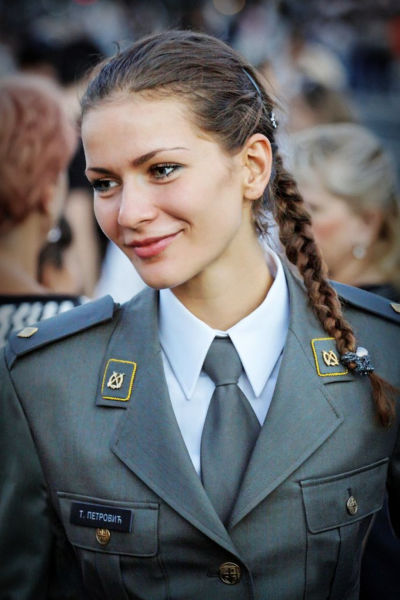 Gorgeous Army Girls Who Are Strong and Sexy in Combat Gear