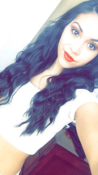 Red Lips Give These Girls Some Extra Va Va Voom