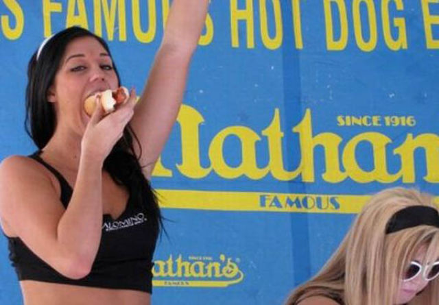 Hot Dog Eating Girls Are Hot