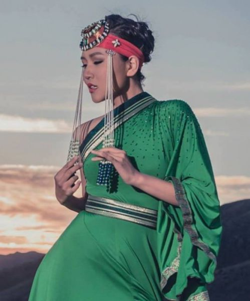 Mongolian Beauties Have That Exotic Cute Factor