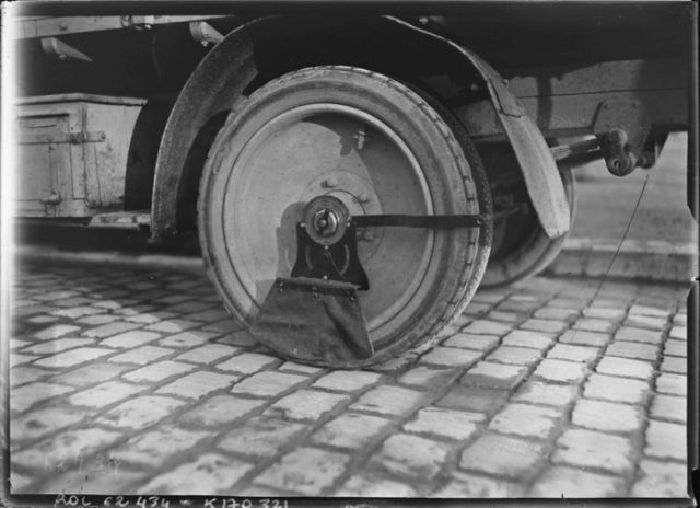What Mud Flaps Looked Like in the Early 1900s