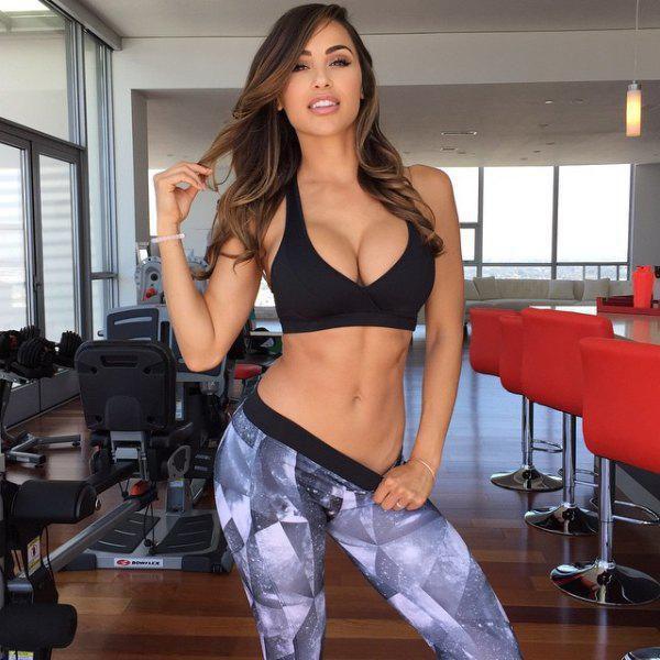 Ana Cheri Is the Sexy New Hottie of Instagram