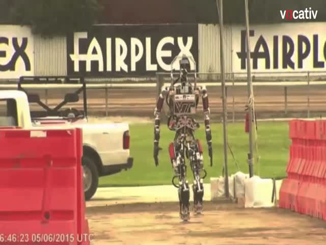 This Robot Needs Some Time Off  (VIDEO)