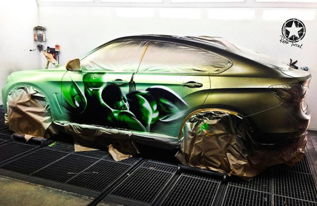 BMW X6 Turns into the Hulk When Splashed with Hot Water