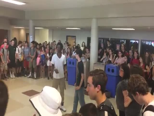 Nerdy White Kid Unexpectedly Wins High School Dance Off