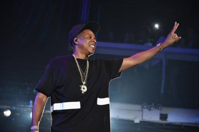This Is What Rappers Really Earn for One Night's Performance