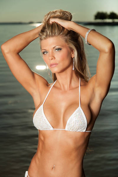 The Hottest Bikini Babes of the 2015 Hooters International Swimsuit Pageant