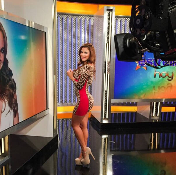 Andrea Rincon Is A Spanish Tv Host That Sizzles With Sex Appeal 25 Pics Picture 19