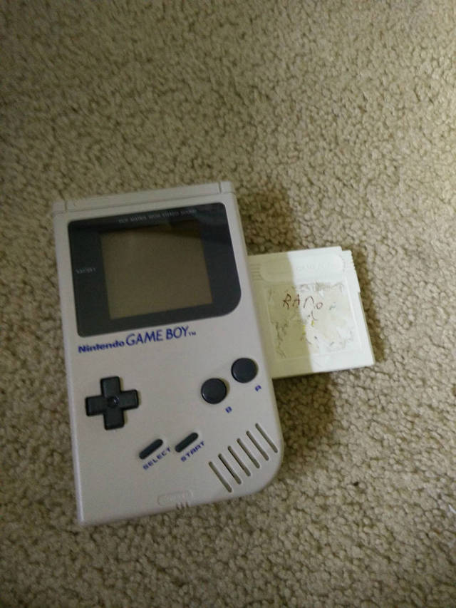 This $1 Garage Sale Game Cartridge Was an Exceptionally Awesome Find