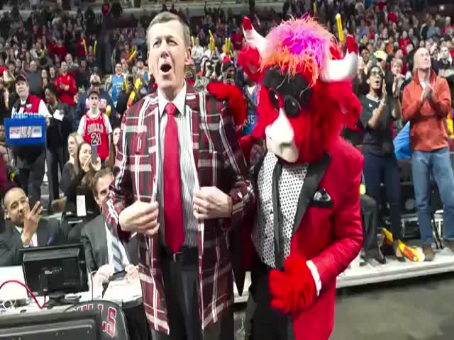 "A Fun Video Montage of the Chicago Bulls Mascot ""Benny the Bull"""