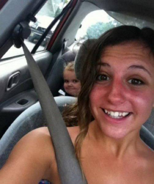 Kids Who Know How to Photobomb Like a Pro