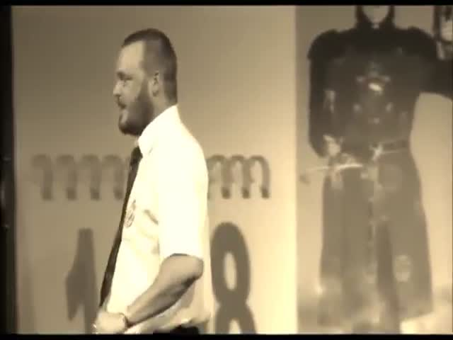 Al Murray Proves That Britain Has Defeated Every Country in The World at War