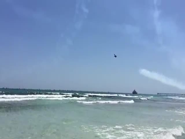 Blue Angels Super Low Beach Flyby at Pensacola