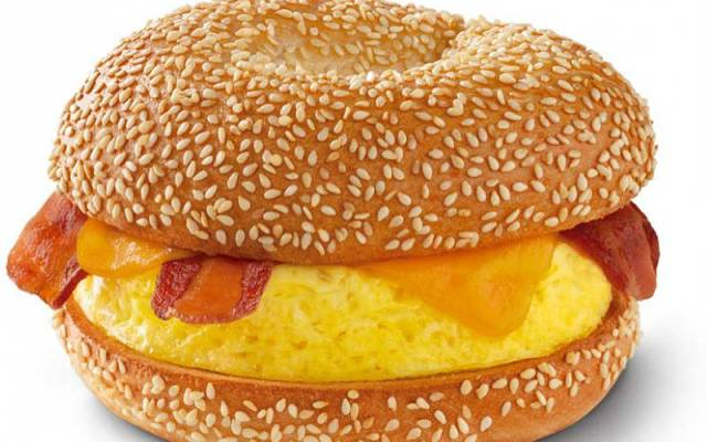 Fast Food Employees Reveal Shocking Secrets about Some of You Favorite Junk Foods