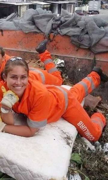 This Brazilian Street Cleaner Is a Model in Disguise