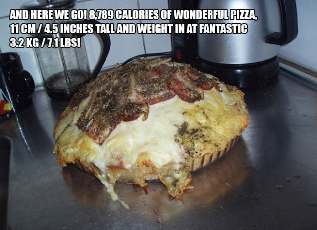 This Is What a Nearly 9000 Calorie Pizza Looks Like