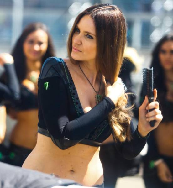 Sexy Race Girls Are the Best Part of Motorsports
