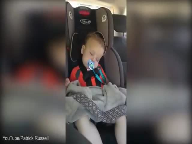Groovy Little Baby Springs to Life and Dances in His Car Seat