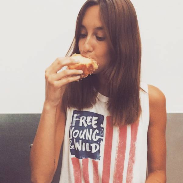 Girls Give Gluten-Free the Middle Finger