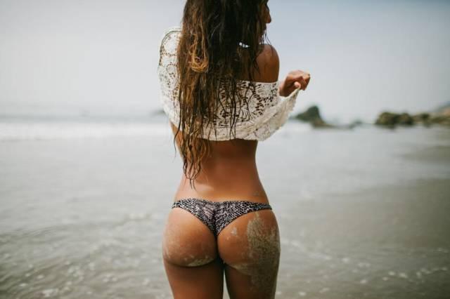 Girls Put Their Best Butts Forward