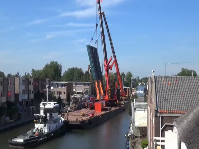Construction Cranes Collapse in the Netherlands Crushing Multiple Buildings