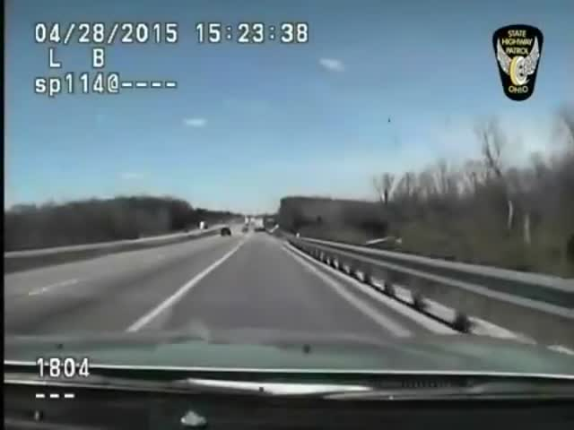 Injured Truck Driver Rescued by Quick-thinking Highway Patrol Officer