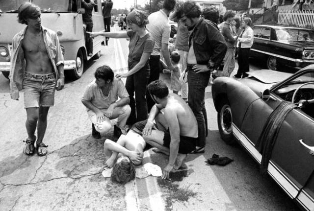 Rarely Seen Images of the Wacky Woodstock Festival